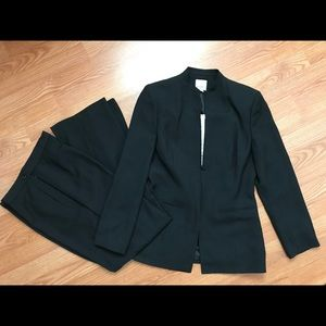 Other - Anne Klein Suit Size 6